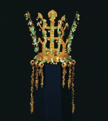 A Gold with Jade Crown