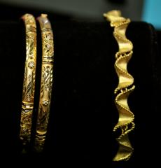 18kt & 22kt bracelets