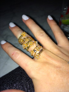 I chose to wear this vintage 18kt full-finger swirl ring