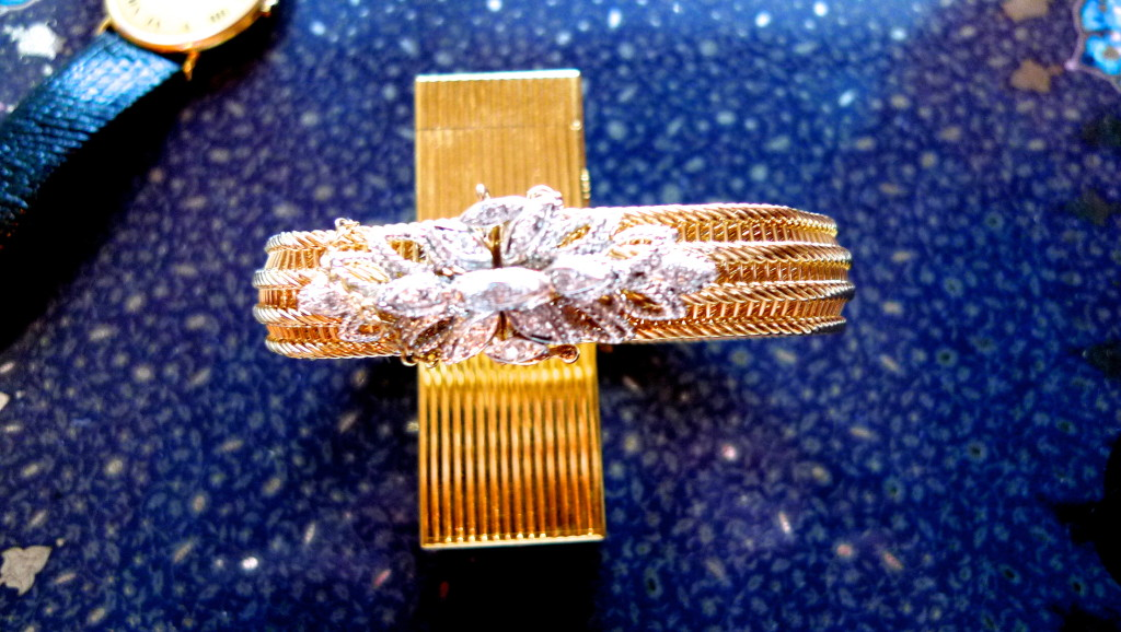 This beautiful 14kt mesh with diamond clasp bracelet looks to be from the 60's.