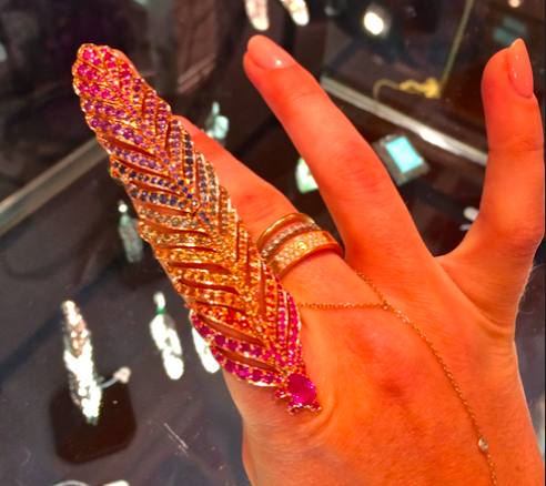 Crowsnest 18kt gold ring with rainbow of diamonds finger-ring