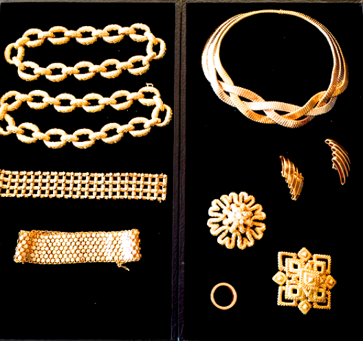 A selection of vintage gold jewelry was provided by the well-known NYC estate jeweler, Camilla Dietz Bergeron. The link chain necklaces on the left were part of my favorite look worn by the model.